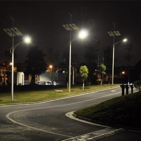 广州市气象局风光互补路灯工程